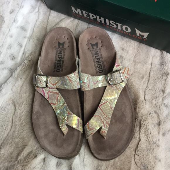 ee0dca9e13d8 Silver Nairobi Mephisto Helen Thong Sandals 39. M 5b0dbe148290af3c178c5638